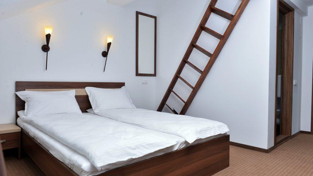 Camera dubla pat etajat pentru copii
